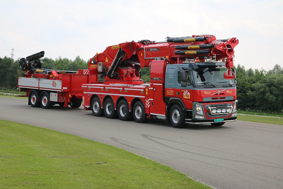 mobile-knuckle-boom-cranes